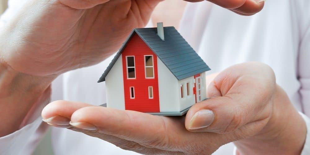 Investissement locatif : pourquoi souscrire à une assurance PNO ?